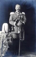 Friedrich Wilhelm Viktor Albrecht von Preußen (✠ drakegoodman ✠) Tags: uniform moustache sabre monarch sword baton cavalry emperor plumes kaiserwilhelmii troddel
