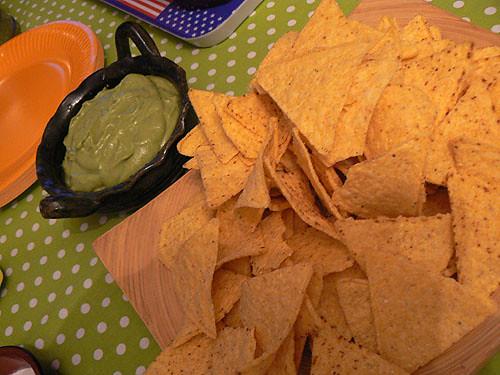guacamole et tortilla chips.jpg