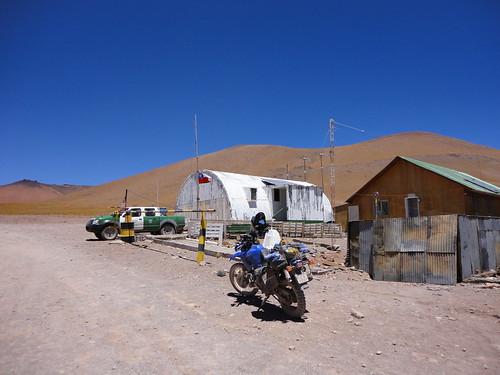 puesto de control de Carabineros y SAG en Paso Sico