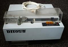 Děrovač děrné pásky DT105S