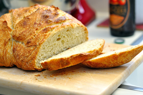 No Knead Pale Ale Pot Boule
