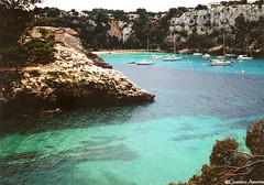 Menorca -Spain (gustavoamorim) Tags: sea praia beach mar spain espanha paradise playa paraiso menorca paraso bluesea greensea marazul islasbaleares marverde spana ilhasbaleares balearesislands
