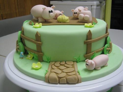 Fondant Pig Cake