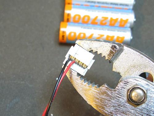 BlinkM Battery Pack: Step 3: Crimp connector