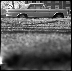 (patrickjoust) Tags: auto park street city light urban bw usa white black classic 120 6x6 tlr blancoynegro film home car analog america square lens us reflex md focus automobile fuji mechanical united north patrick twin maryland super baltimore v vehicle epson fujifilm medium format neopan 100 states manual 500 leak 13 80 joust developed f28 hampden rocca wyman develop acros estados mercedez xtol 80mm steinheil blancetnoir unidos v500 montanus cassar schwarzundweiss autaut patrickjoust