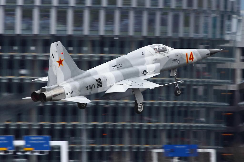 Les F-5E/F/N Tiger II / Aggressor - Page 3 5483924771_8de5cb4cb1_b