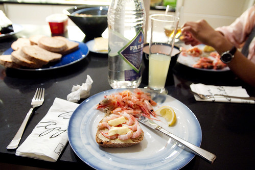 Prawns on buttered bread, topped with mayo and lemon