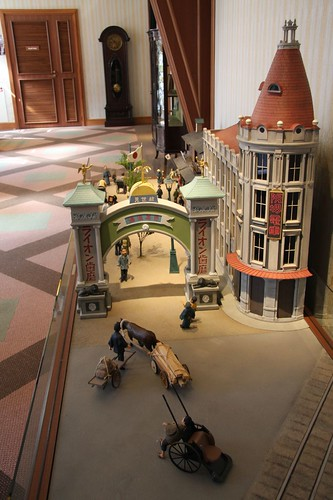 新世界の表玄関、恵美須通り / Diorama