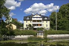 House in Norrtälje, Sweden 18/7 2008 (photoola) Tags: frankreich sweden schweden sverige 2008 suede suecia フランス frankrike norrtälje svezia ranska франция photoola