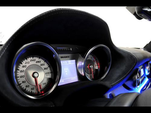 2011-Brabus-Mercedes-Benz-SLS-AMG-700-Biturbo-Gauges-1280x960
