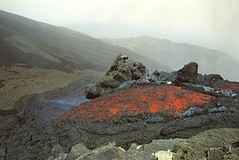 Tiny lava flow at the Southeast Crater, March 2001 (etnaboris) Tags: 2001 italy hot volcano lava italia sicily etna incandescent eruption sicilia vulcano caldo lavaflow incandescente eruzione colatalavica southeastcrater summitcraters crateredisudest levantino craterisommitali millenniumfireworks