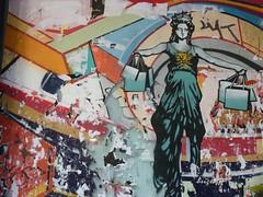 Graff in Barcelona - by ? (brigraff) Tags: barcelona street urban streetart art liberty graffiti spain stencil arte tags urbanart bags espagne barcelone soldes pochoir catalogne statuedelaliberté tz7 rabajas panasonictz7 brigraff