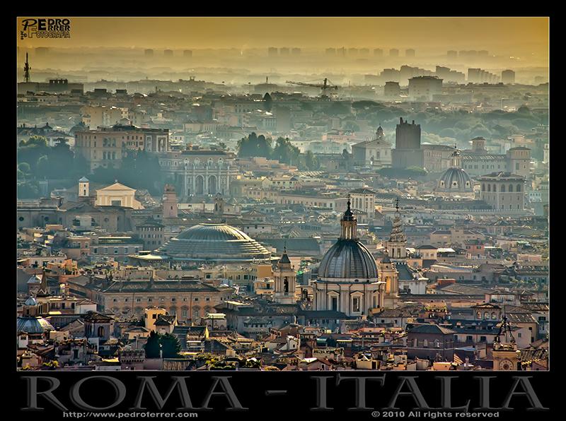 Roma - El Panteón en la niebla