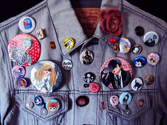 2NE1: Queen of All Buttons (helllllllen) Tags: pop korean levistrauss kpop graydenimjacket 2ne1buttonsbadgesfanartwatercolorinkillustrationclminzybomparksandaraparketsyhellenjo