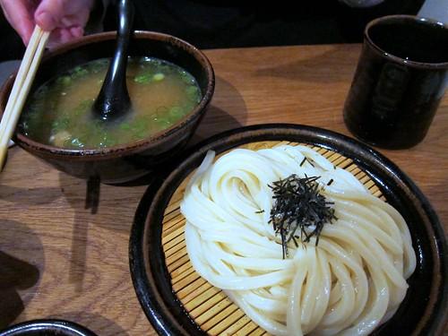 Buta Miso Hiya-Atsu (cold udon and hot pork and miso broth)