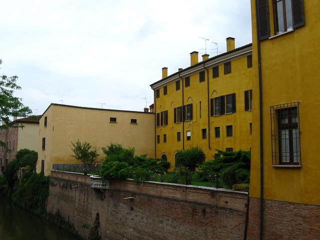 マントヴァの建物のフリー写真素材
