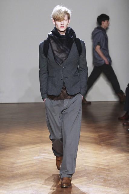 FW11_Milan_Albino Deuxieme011_Diederik Van Der Lee(Simply Male Models)