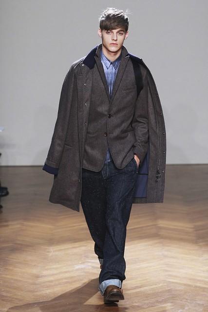 FW11_Milan_Albino Deuxieme014_Robbie Wadge(Simply Male Models)