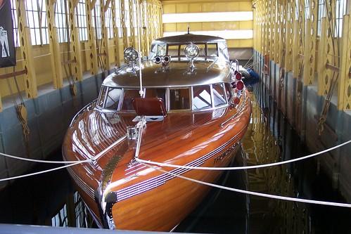 lake boat tahoe lodge thunderbird