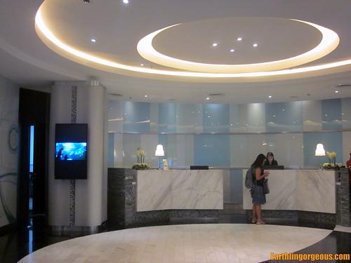 Hotel H2O front desk