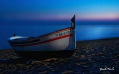 -LA BARCA- (Roberto Fraile) Tags: luz beach spain agua nikon barca paz playa paisaje catalonia bark cielo nubes reflejo nd nocturna catalunya roberto reflexions silencio anochecer barque reflejos iluminacion reflexes calella wow1 wow2 wow3 wow4 d90 costadorada fraile wow5 wowhalloffame impressedbeauty worldwidelandscapes world100f 100commentgroup oltusfotos 18105mmvr thebestofmimamorsgroups mygearandme mygearandmepremium robertofraile mygearandmebronze mygearandmesilver mygearandmegold mygearandmeplatinum mygearandmediamond dblringexcellence tplringexcellence artistoftheyearlevel4 aboveandbeyondlevel4 galleryoffantasticshots flickrstruereflection1 flickrstruereflection2 flickrstruereflection3 flickrstruereflection4 flickrstruereflection5 flickrstruereflection6 flickrstruereflection7 eltringexcellence flickrstruereflectionexcellence trueexcellence1 trueexcellence2 trueexcellence3 rememberthatmomentlevel4 rememberthatmomentlevel1 rememberthatmomentlevel2 rememberthatmomentlevel3 rememberthatmomentlevel7 rememberthatmomentlevel5 rememberthatmomentlevel6 rememberthatmomentlevel8