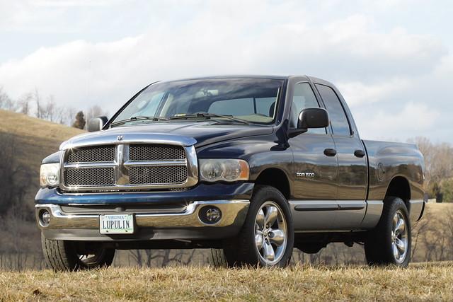 forsale slt 59l v8 dodge ram truck pickup 1500 fourwheeldrive 4wd 4x4 lowmileage darkblue clean singleowner