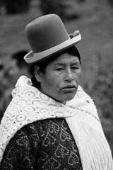 Mujer con borsalino (Diego Rayaces) Tags: viaje mujer capital paz diego bolivia ciudad lapaz boliviana rayaces