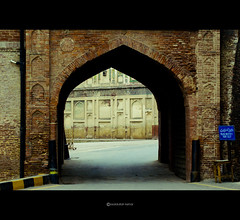 The Exit for the Lahore Fort (osaid-) Tags: pakistan architecture way gate fort exit punjab lahore mughal osaid kehar osaidullah