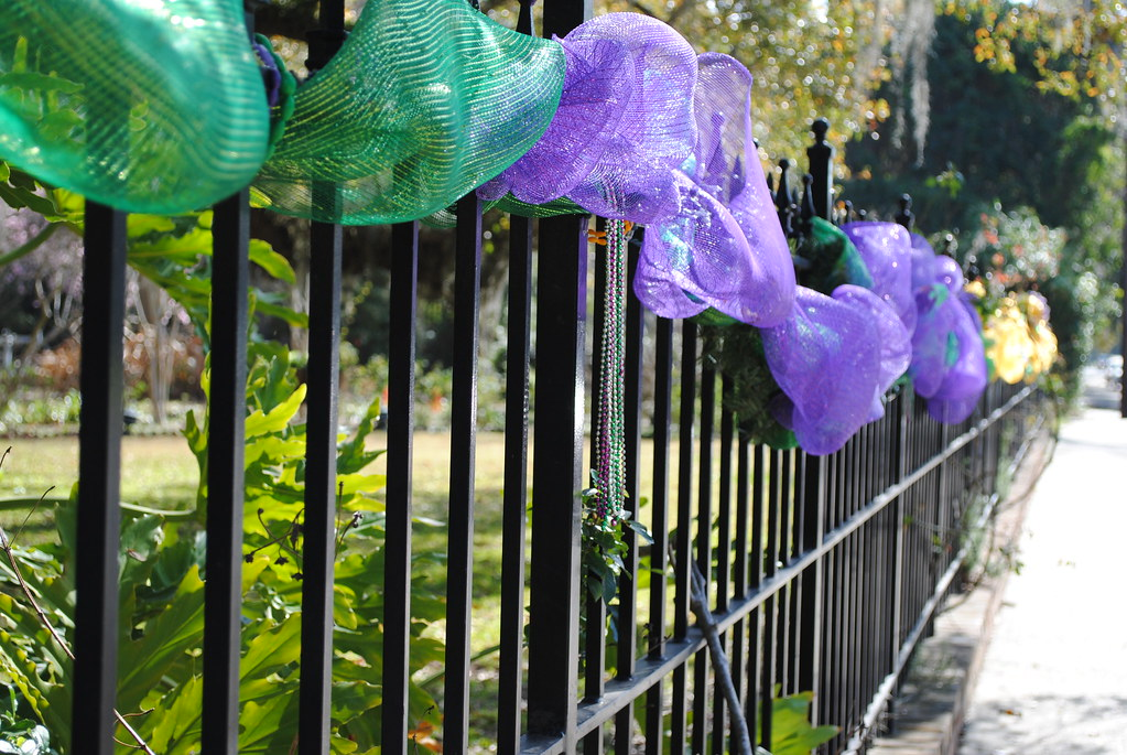main street mardi gras decorations