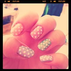 Polka pastel nails