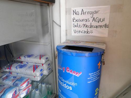 ARROJAN BASURAS EN DEPÓSITO PARA MEDICAMENTOS A PESAR DE PROHIBICIÓN