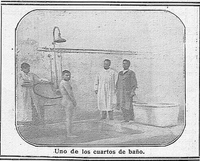 Baños en el Hospital del Nuncio en 1914.  'La Campana Gorda' - Año XXII Número 1217 (15/01/1914)