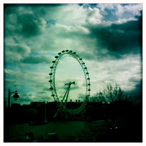 <span>londra</span>The London Eye<br><br><p class='tag'>tag:<br/>design | londra | luoghi | </p>