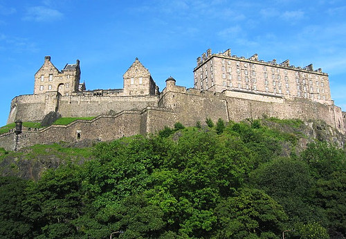 Edinburgh – kumpanie básníků a highlanderů