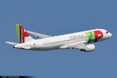 TAP Air Portugal - Airbus A320-233 (CS-TNS) (FranHR) Tags: barcelona portugal plane airplane geotagged nose airport nikon shot aircraft air aeroporto landing airbus tap aviao nikkor flugzeug aeroport aeropuerto aereo spotting avion banking vliegtuig spotters elprat airbusa320 d90 aeroplano samolot uak barcelonaairport aeroportdelprat aerotagged luftfahrzeug 55300 d5000 aeropuertodebarcelona  lebl aeroportdebarcelona d3000 elpratdelllobregat a320233 aviationphoto cstns fotografiaaeonautica