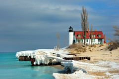 Point Betsie Lighthouse - Crystallia, Michigan (Michigan Nut) Tags: usa ice beach geotagged lakemichigan greatlakes icicles michiganlighthouses benziecounty pointbetsielighthouse michigannutphotography nikonnikkor70300mmf4556gedifafsvrtelephotozoomlens crystalliamichigan