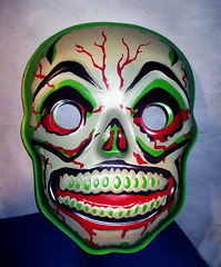 Green Grinning Skull Mask 6289 (Brechtbug) Tags: green grinning skull mask halloween semi vintage with regular sized uncle sam box ben cooper collegeville halco ghoulsville retro newspaper sunday funnies comics holiday costume comic strip book comicbook spy movie film cinema americana america freedom justice super hero spooky jumbo size