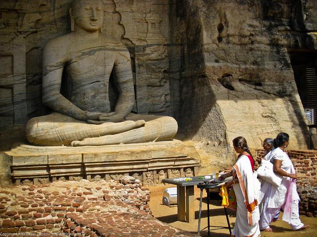 Будда и паломники