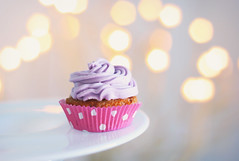(matina) Tags: pink cute colors 50mm lights soft dof purple sweet bokeh pastel violet rosa dotted cupcake dreamy viola azzurro colori bake pois dolci canon500d