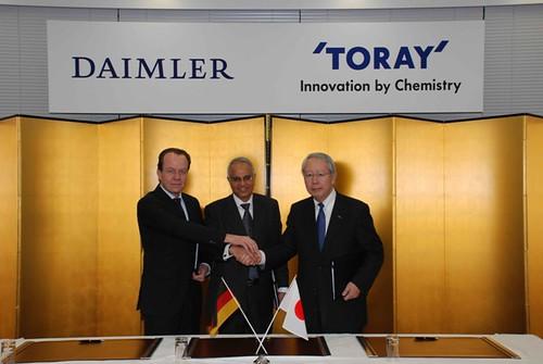 Daimler und Toray