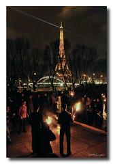 Veille parisienne (patoche21) Tags: street people paris france nikon streetphotography bbc rue flamme feu bcc gens palaisdetokyo spectacle d300 18200mm burncrewconcept cracheursdefeu nikonpassion capturenx2 patrickbouchenard