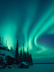 Flowing Light (Nigel Fearon) Tags: cold beautiful night astronomy northwestterritories northernlights auroraborealis yellowknife top20aurora nigelfearonphotography