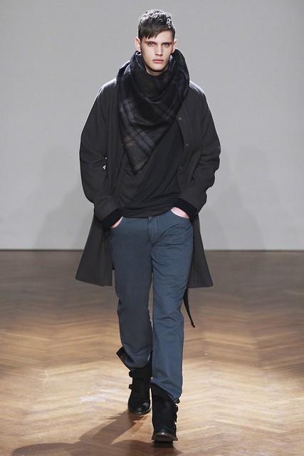 FW11_Milan_Albino Deuxieme015_Joan Pedrola(Simply Male Models)