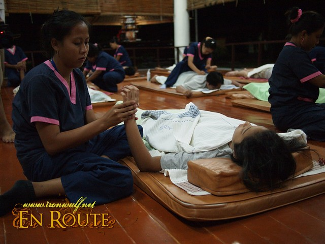 Very relaxing Thai and Shiatsu Dry Massage at Spa Town for P500