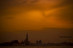Venecia Crepuscular (Asi75er) Tags: city travel venice sunset sea summer sun art sol clouds canon eos evening mar europe italia elements nubes crepusculo venecia venezia grandcanal anochecer veneto venetto 400d canoneos400d