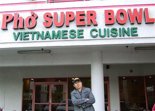 2011-01-30 Pho Super Bowl 043