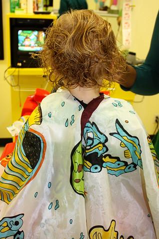 Aut-back-wet-hair