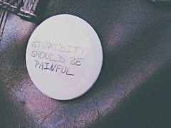 ((◡‿◡✿) lightweight) Tags: funny comedy humorous button be painfull should stupidity