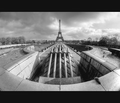 Paris (AO-photos) Tags: white black paris france tower blanco monument nikon noir tour negro eiffel fisheye 8mm trocadero blanc hdr samyang d5000