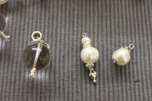 Perlen- und Bergkristall-Anhänger